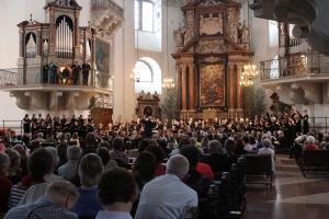 János Czifra and the Mozart Festival Chorus_06